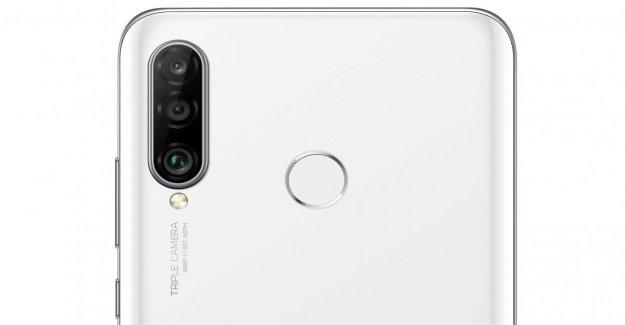 Aquí es Huawei P30 Lite triple con la cámara y la lente ultra gran angular