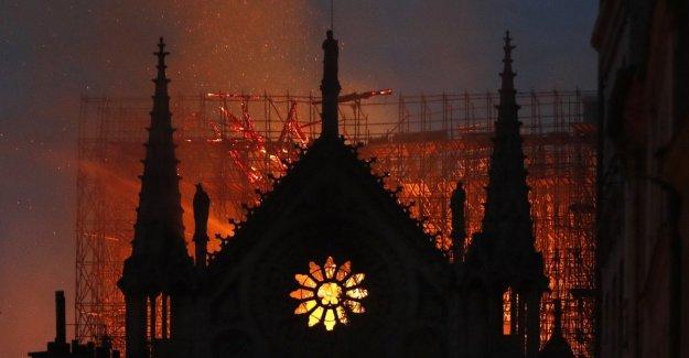 Con el chapitel de la catedral de Notre Dame, se derrumba una parte de nuestra identidad como Europeos