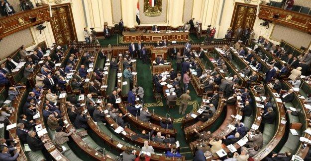 Egipto es cambiar la constitución para permitir Al Sisi permanecer como presidente hasta el año 2030