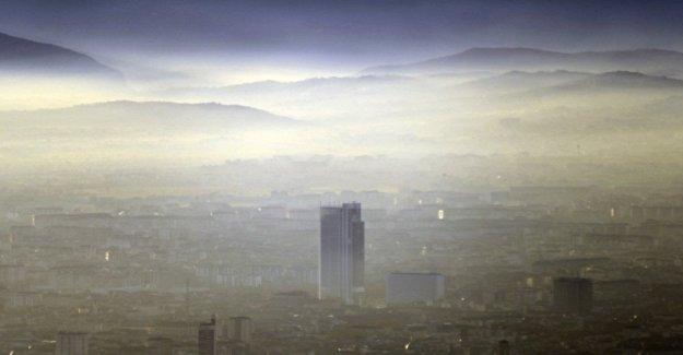 El Smog en la ciudad, Turín malla negra. Milán es la ciudad más sostenible