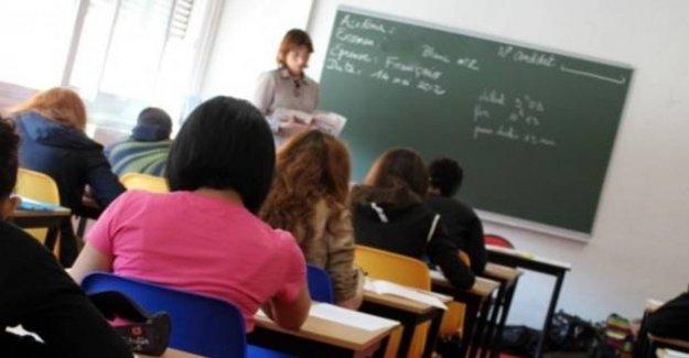 La escuela, la carga de los 12 a 1240 puestos: viaje a la formación para el aprendizaje de los profesores de apoyo