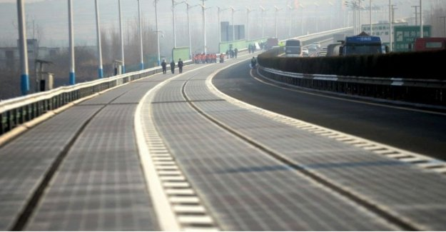La sorpresa, la carretera se adapte a los coches autónomos