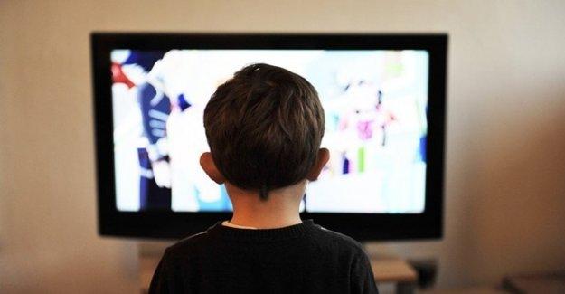 Los niños, nunca más de dos horas al día delante de la pantalla