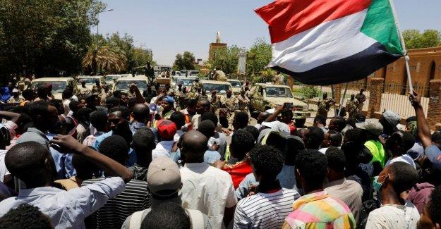 Nuevas protestas en Sudán, los manifestantes piden fin a gobierno militar
