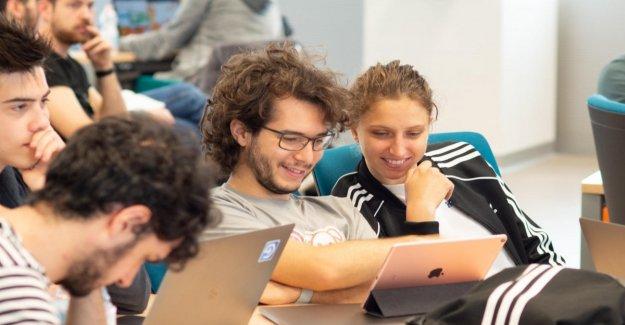 Apple, de nuevo la llamada de la Academia: 400 lugares para aquellos que quieren desarrollar la aplicación
