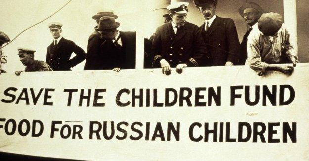Detener la guerra en los niños Save the Children celebra sus 100 años de actividad