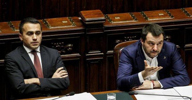 Gobierno, choque De Maio en la Liga: la Tensión social es palpable. Sólo el extremismo. Replicación: el Crimen gotas