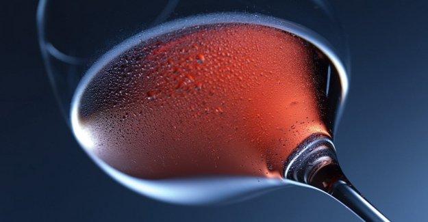 La próstata, un par de vasos de vino a la semana no aumenta el riesgo de cáncer