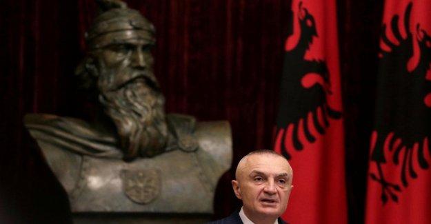 Albania, en el inicio del procedimiento para quitar el Jefe de Estado