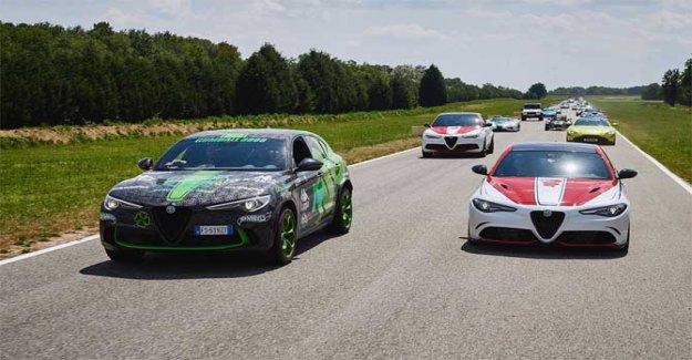 Alfa Romeo mostrar: en Balocco la Gumball 3000