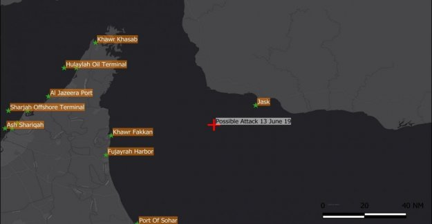 El golfo de Omán, de dos buques petroleros en el fuego. La flota americana responde a la alarma