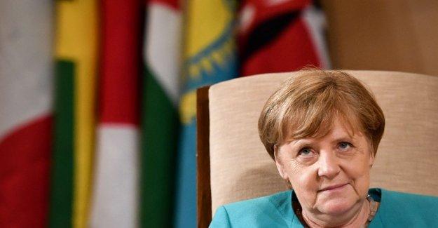 El historiador Hubertus Knabe: No hay ninguna evidencia de que Angela Merkel era un espía de la Stasi