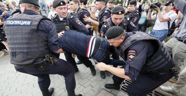 Rusia, un centenar de marzo por el periodista Golunov