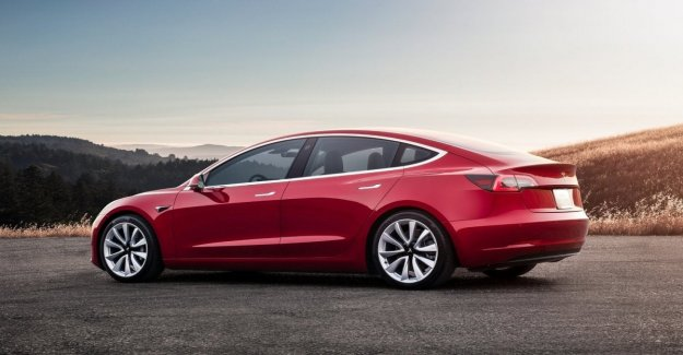 Tesla Model 3, no lo llaman pequeño