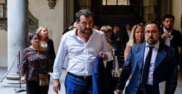 El gobierno, De Maio ataques a la autonomía y Arata: Intentó sabotear el 5S. Salvini: El futuro? Estamos en las manos de Dios