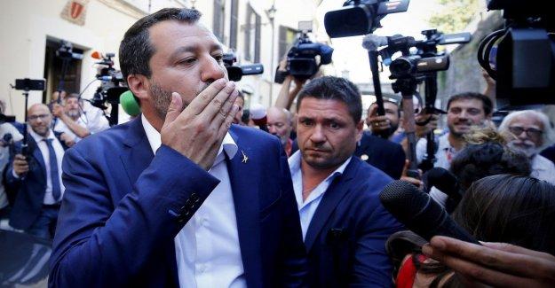 El gobierno, Salvini ataques Tria en el plano de impuestos: O es el problema yo o es él.