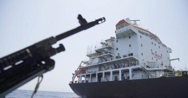 Irán, barcos de Teherán el intento de secuestro de una cisterna de petróleo, Bloqueado por la Royal Navy