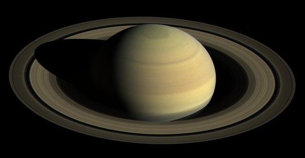 La noche de Saturno, el espectáculo de los anillos hasta el amanecer