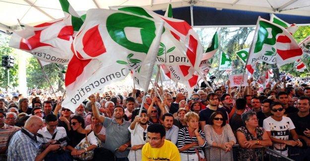 Pd, a través de la Asamblea nacional, en Roma. En el centro, la reforma del Estatuto