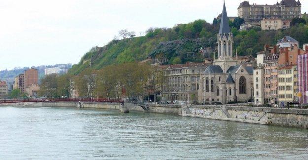 Apuñalamientos en Lyon, un muerto y nueve heridos
