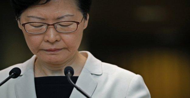 Hong Kong, Lam excluye la resignación: Disposición al diálogo, pero de tolerancia cero contra la violencia