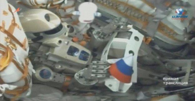 La Soyuz con el robot de acuerdo a los comandos no atracar en la Iss