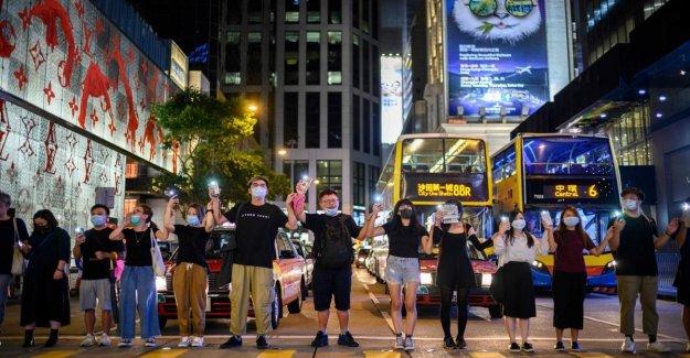 La pared de Hong Kong: una cadena humana para la democracia