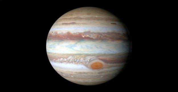Las tormentas en Júpiter distorsionar los cinturones de color de las nubes