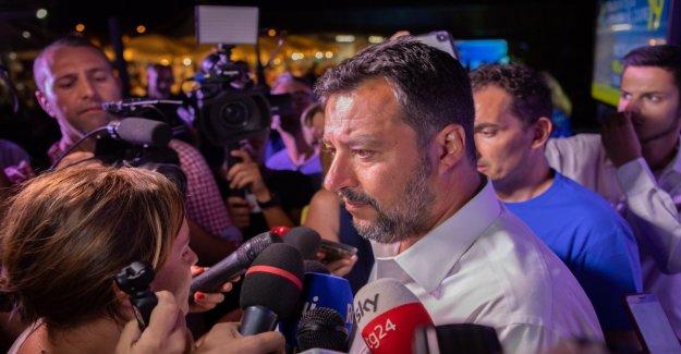 Moscopoli, Salvini no responde a la periodista de el Informe, y lo insulta: eres grosero