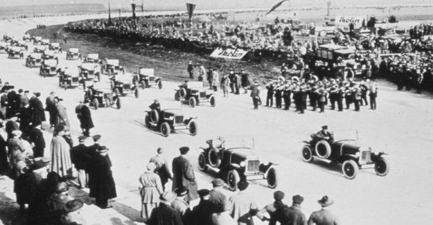 Opel, hace 100 años, el primer circuito privado