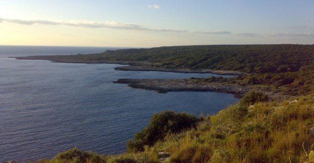 Salento, demasiados turistas en el Pantano de el capitán: el alcalde de Nardo se prohíbe el baño y la pesca