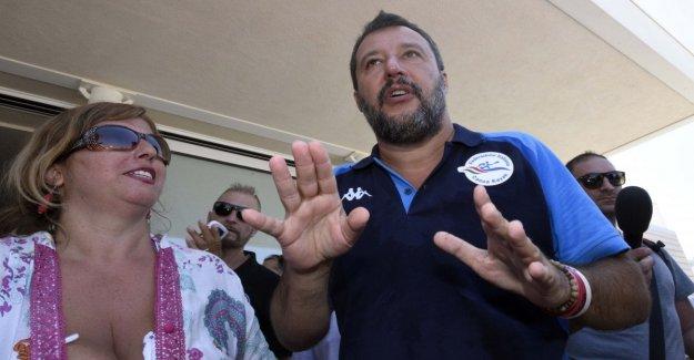 Salvini Catania, el 5stars: Pasarela para evitar, está en la playa