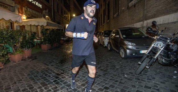 Salvini mejor que Forrest Gump: en Italia y ya ha viajado más de 106mila millas en un año