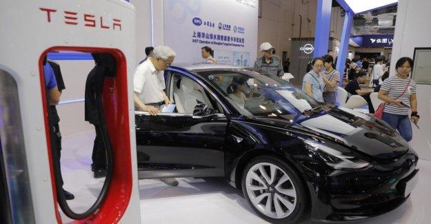 Tesla, estaciones de carga para poner en el turbo