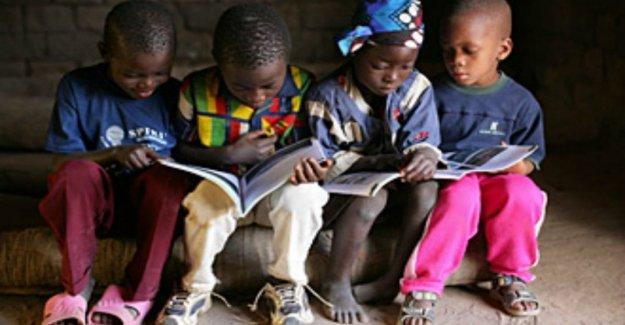 África, Medio oriente: 303 millones de niños no asisten a la escuela, y vive en un estado de emergencia