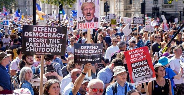 Brexit, el movimiento, el partido del trabajo en contra de el no hay trato y Johnson llame inmediatamente a elecciones anticipadas