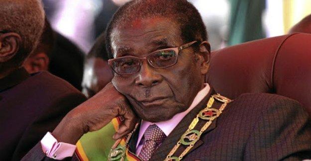 Después de la muerte de Mugabe, un héroe o un dictador? La diferente lectura de la biografía de un déspota