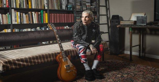 El estado de ánimo negro de GionnyScandal, su trampa 'emocional' en un disco: El corazón de este nuevo álbum es la verdad