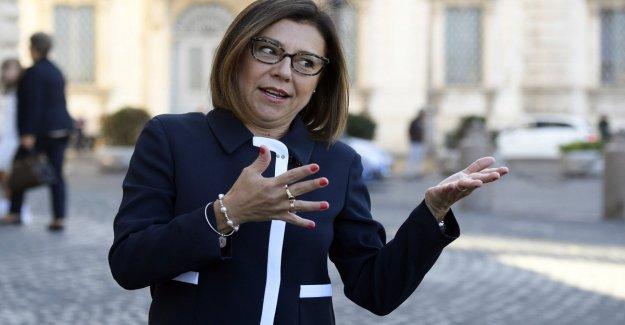 El gobierno, los insultos sexistas también ministro De Micheli