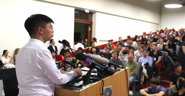 Hong Kong, china enojado con Berlín. El ministro de Exteriores alemán, sacudió la mano de la activista Joshua Wong