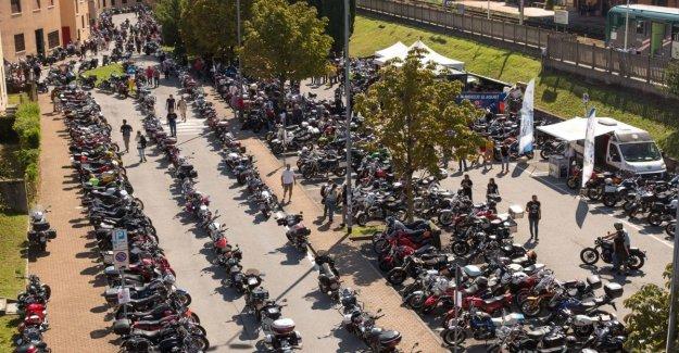 Moto Guzzi Casa Abierta, todos en la silla de montar