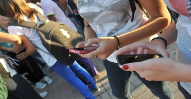 Sexting, Canadá 1 joven en 4 recibe mensajes de carácter sexual