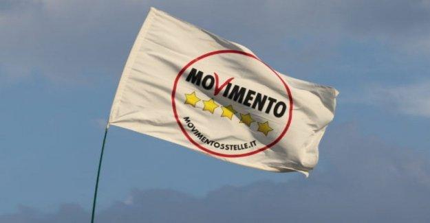 El M5S, está en línea la Carta de Florencia. Los 'escépticos' pidiendo un alto a la líder político y las propiedades de Rousseau para el Movimiento
