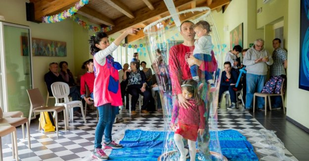 El autismo, como nacer de nuevo, con la Rosa de Jericó un jardín es terapéutico para jóvenes