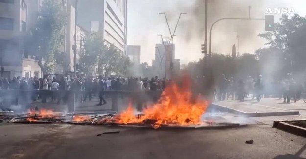En Chile, la misión en el País de américa latina para investigar las graves violaciones: ya 18 muertes en las calles