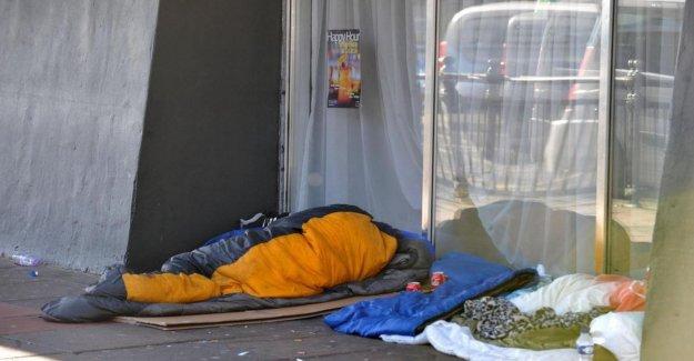 Estados unidos, Nueva York, matando en su sueño en la subió hasta cuatro personas sin hogar. La policía detiene a un 24 años de edad