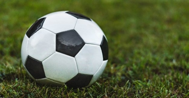 Las enfermedades neurodegenerativas, los futbolistas están en riesgo de más. Demasiados golpes en la cabeza