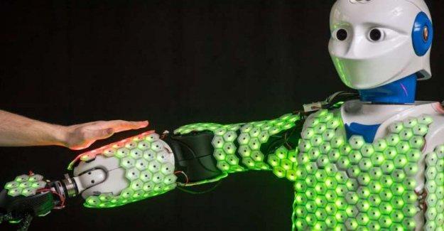 Para los robots artificial de la piel sensible. Los humanos
