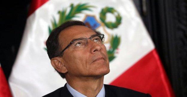 Perú, el caos estalló: el enfrentamiento entre el presidente y el Parlamento. Vizcarra disuelve las Habitaciones y llama a nuevas elecciones