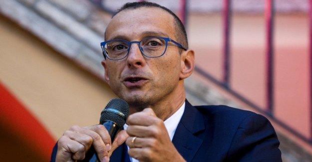 Pesaro abre el experimento de Pd-5-star. El alcalde de Ricci nombra consejero de un grillo: Somos la primera. Por elección, no por necesidad.